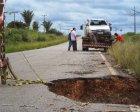 Cratera na PA 279 próximo o Curitibano provoca acidente